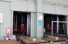 NAS鎌倉工場3階にある立体自動倉庫の搬出入口